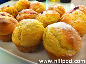 Photo of some freshly baked duffin cakes