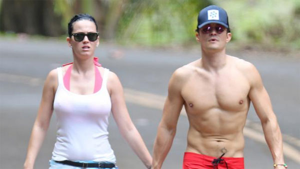 Image of Katy Perry holding hands with Orlando Bloom