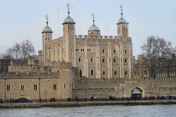 Image of the Tower of London and the River Thames