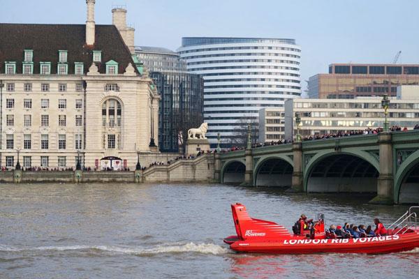 Photo of bridge spanning the River Thames