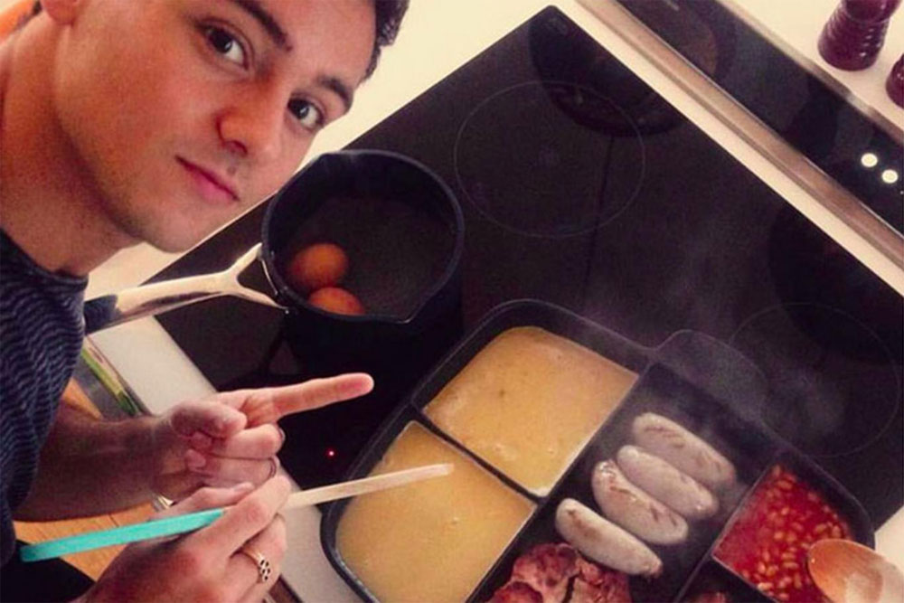 Image of Tom Daley and his frying pan
