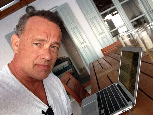 Photo of Tom Hanks on Twitter