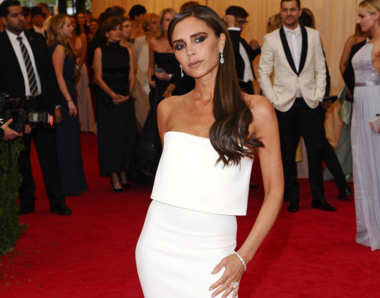 Image of Victoria Beckham and her missing right arm